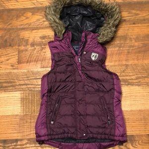 AMERICAN EAGLE purple puffy vest w/faux fur hood